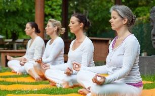 Yoga, tai-chi et la santé cardiovasculaire.