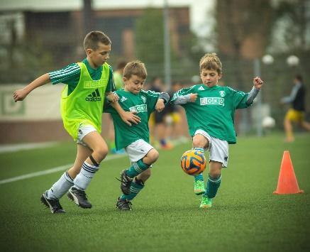 https://centdegres.ca/wp-content/uploads/2017/07/enfants-soccer.jpg
