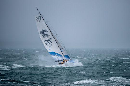 https://www.bateaux.com/src/applications/news/imaloader/images/bateaux/2017-10/73-13e-edition-volvo-ocean-race/turn-the-tide-on-plastic-1.jpg