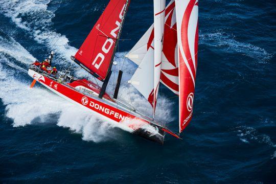https://www.bateaux.com/src/applications/news/imaloader/images/bateaux/2017-10/73-13e-edition-volvo-ocean-race/dongfeng.jpg