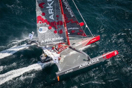 https://www.bateaux.com/src/applications/news/imaloader/images/bateaux/2017-11/17-favoris-TJV/arkema-olivaud-01.JPG