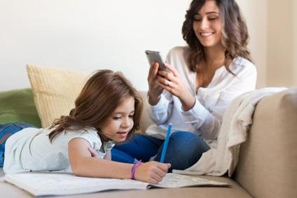 L'imagerie cérébrale révèle, chez les jeunes dépendants au smartphone, un déséquilibre du rapport entre 2 neurotransmetteurs majeurs, GABA et le glutamate -glutamine (Glx)