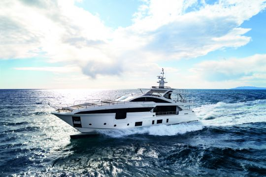 https://www.bateaux.com/src/applications/news/imaloader/images/bateaux/2018-05/48-world-superyachts-awards-2018/mr-oh-copyright-azimut-yachts.jpg