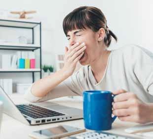 . Environ 30% des Canadiens déclarent ne pas dormir suffisamment. C'est également le cas de 37% des Britanniques, de 28% des Singapouriens et de 26% des Français, précisent les auteurs.