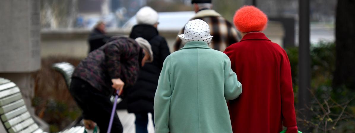 Près d\'une personne de plus de 75 ans sur deux est gênée pour effectuer des gestes du quotidien chez elle, selon une étude de la Drees publiée le 1er juin 2018.