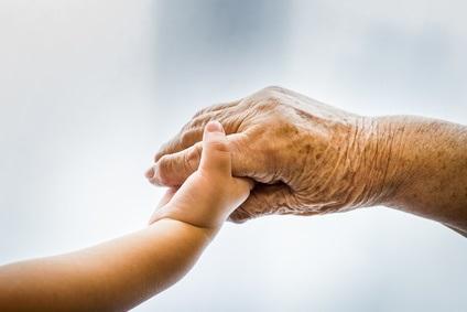 A ce jour, la limite de la longévité humaine est donnée par Jeanne Calment, décédée en 1997 à l'âge de 122 ans.