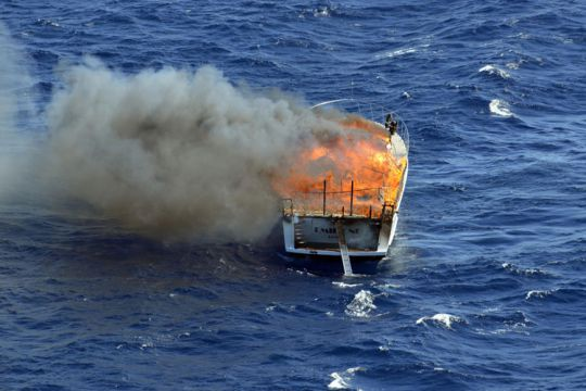 https://www.bateaux.com/src/applications/news/imaloader/images/bateaux/2017-06/41-MAYDAY/Mayday-PanPan-3.jpg