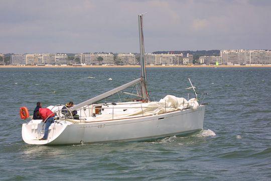 https://www.bateaux.com/src/applications/news/imaloader/images/bateaux/2017-06/41-MAYDAY/Mayday-PanPan-2.jpg