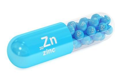 Contrairement à d'autres métaux qui peuvent également entraîner un effet antioxydant, mais qui, en excès peuvent aussi causer une augmentation du stress oxydatif, le zinc n'est pas toxique, ou beaucoup moins, et mieux adapté à de nouveaux médicaments ou suppléments avec un risque réduit d'effets secondaires.