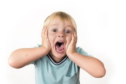 5 à 10 % des enfants et des adolescents dans le monde souffrent de trouble du déficit de l'attention avec hyperactivité (TDAH) et environ 70% de ces patients reçoivent un traitement à base de méthylphénidate (MPH : Ritaline)