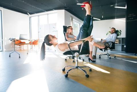 Remplacer 30 minutes de station assise par une activité physique, quelle que soit son intensité ou son intensité, réduit déjà de manière significative le risque de décès prématuré.