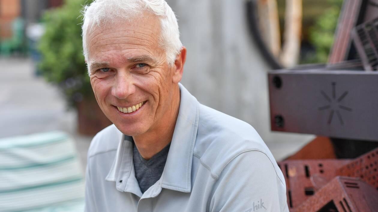 Coach du team australien après avoir coaché les Américains de la Coupe de l'America, le Français Philippe Presti suit aussi de très près la progression du team France.