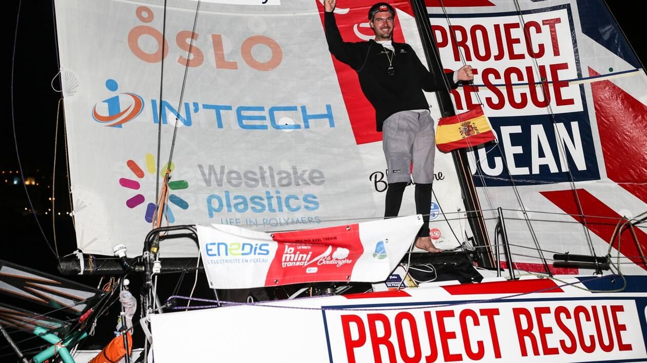 Axel Tréhin signe un retour magnifique pour s'imposer à Las Palmas sur le fil : au cœur de la nuit, le jeune solitaire a doublé ses deux concurrents dans les derniers milles !