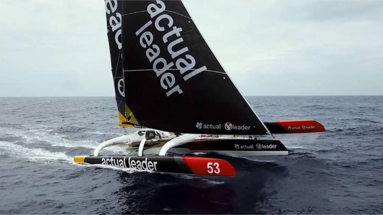 Un Ultime est une machine redoutable. Un monstre de carbone, capable de filer à plus de 40 nœuds par mer forte… à la force du vent. Yves Le Blevec, sur Actual Leader, skippe l'une de ces machines.