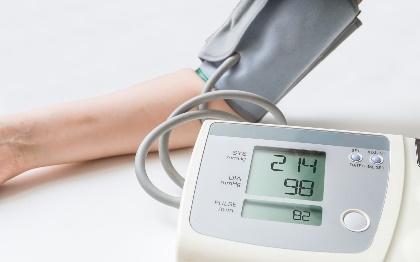 L'heure du coucher pourrait être le meilleur moment pour la prise des médicaments contre l'hypertension