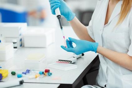 Des marqueurs géniques et des modifications épigénétiques sont ainsi identifiés, qui pourraient permettre de détecter le risque de tumeur maligne du côlon, via un simple test sanguin.