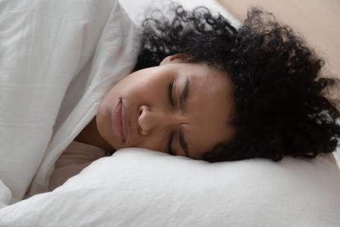 Le rêve nous aide à renforcer les zones cérébrales responsables du contrôle des émotions.