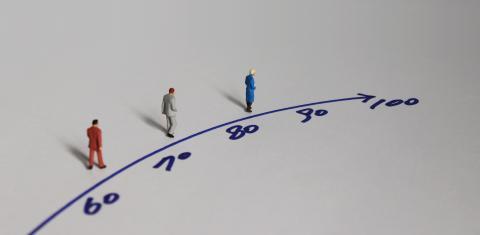 Ces estimations d'espérance de vie associées à différentes valeurs de facteurs de risque apportent des métriques précieuses aux systèmes de santé.