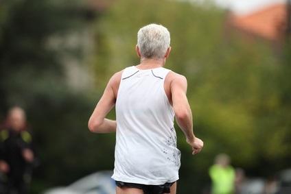 Une simple question au patient sur sa pratique de l'exercice permet déjà d'y voir beaucoup plus clair sur son risque (Visuel Fotolia _17980332_xs)