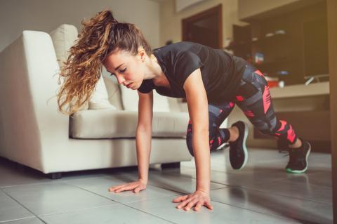 Il reste donc à réinventer des moyens de pratiquer l'activité physique pour garder la forme mais aussi prévenir une explosion des troubles de santé mentale (Visuel Adobe Stock 342713683).