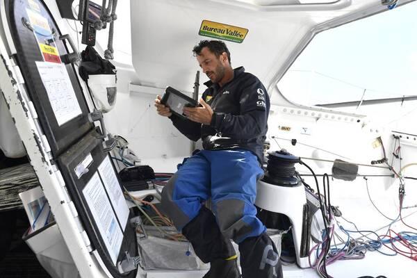 Louis Burton, le skipper malouin à bord de Bureau Vallée II.
