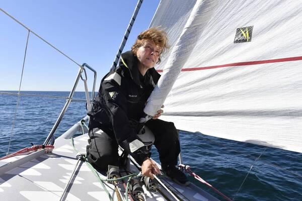 Isabelle Joschke, qui abandonné le Vendée Globe, espère accoster au Brésil.