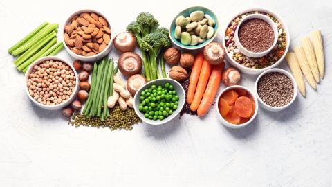 Il existe des différences dans la santé des os associées au régime alimentaire mixte ou végétalien (Visuel Adobe Stock 303102897)