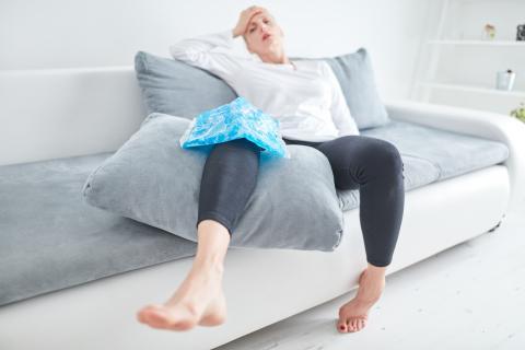 Appliquer du froid sur une blessure musculaire pourrait dans de nombreux cas, retarder la récupération (Visuel Adobe Stock 301129289)