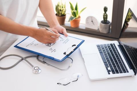 L'activité physique est une composante essentielle du traitement de première intention de l'hypertension artérielle ou de l'hypercholestérolémie (Visuel Adobe Stock 249293728)