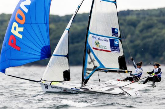 Equipage féminin français en 49erFX
