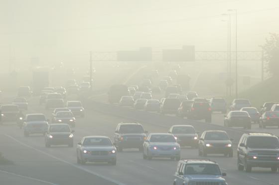 intense pollution de voitures