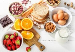 Une image contenant alimentation, assiette, table, ensemble  Description générée automatiquement