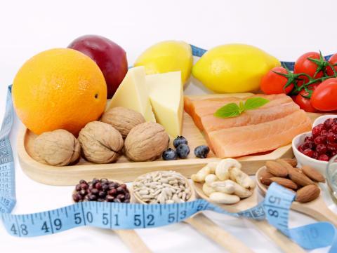 Une image contenant alimentation, table, fruit, intérieur  Description générée automatiquement