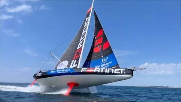 Une image contenant ciel, extérieur, eau, bateau  Description générée automatiquement