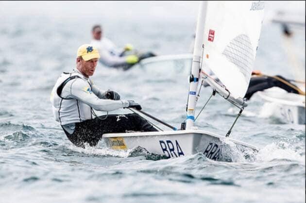 Une image contenant texte, eau, extérieur, sport  Description générée automatiquement