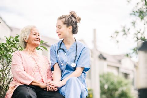 Une exposition plus faible aux rayons UVB peut augmenter le risque de cancer colorectal, en particulier chez les personnes plus âgées (Visuel Adobe Stock 265162640)