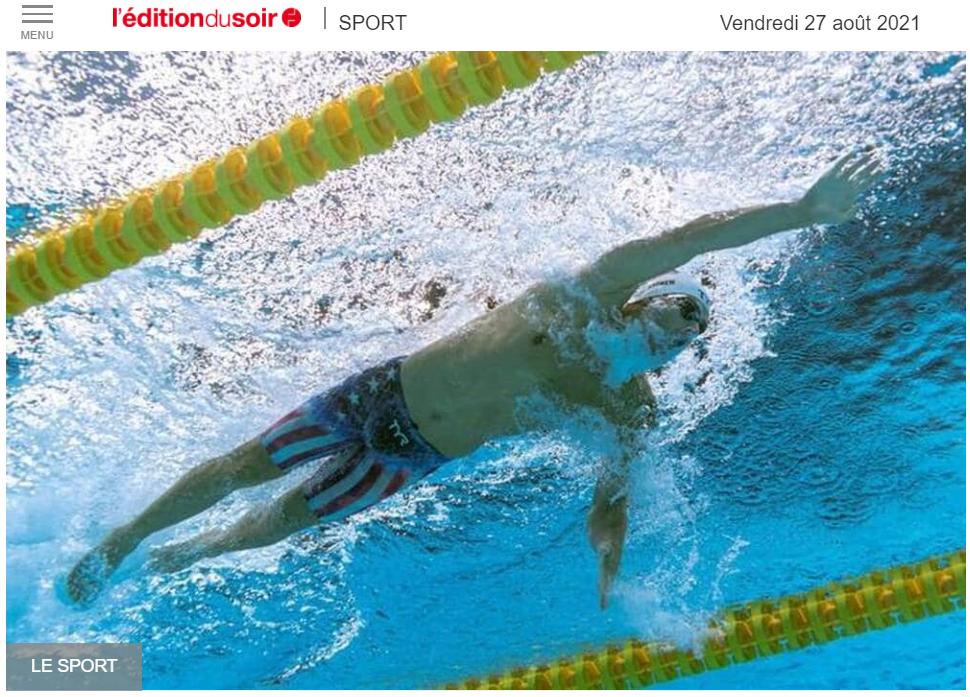 Une image contenant texte, eau, vague, sport aquatique  Description générée automatiquement