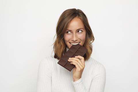 Commencer sa journée avec du chocolat pourrait avoir des avantages inattendus (Visuel Adobe Stock 222106793)