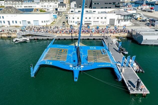 Une image contenant eau, bateau, port, quai  Description générée automatiquement
