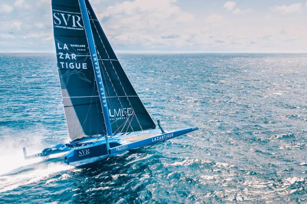 Une image contenant eau, extérieur, ciel, bateau  Description générée automatiquement