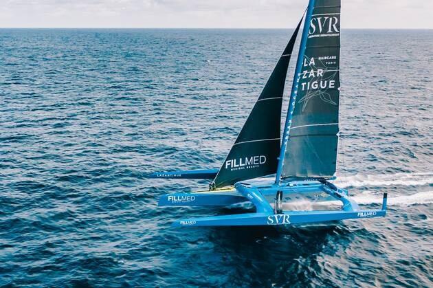 Une image contenant eau, extérieur, embarcation, océan  Description générée automatiquement