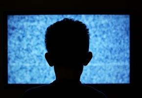 Une image contenant texte, écran, télévision, moniteur  Description générée automatiquement