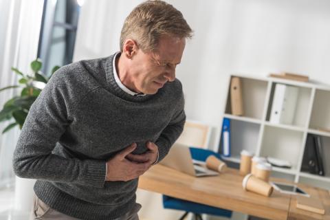 En pratique, des adultes n'ayant aucun problème de tension artérielle mais présentant des niveaux élevés d'hormones de stress ont un risque accru de développer une hypertension artérielle (HTA) et de connaître des événements cardiovasculaires (Visuel Adobe Stock 182944521)