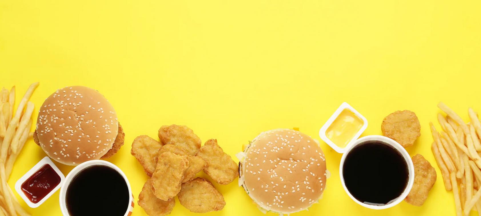 Une image contenant tasse, café, alimentation, petit déjeuner  Description générée automatiquement